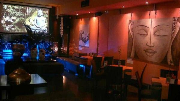 Vocación multicultural y ambiente camaleónico para disfrutar un café singular en Elda