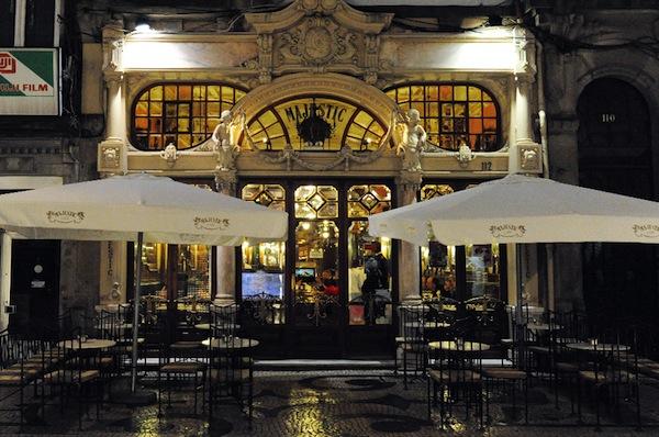 El esplendor recuperado del Café más famoso de Porto