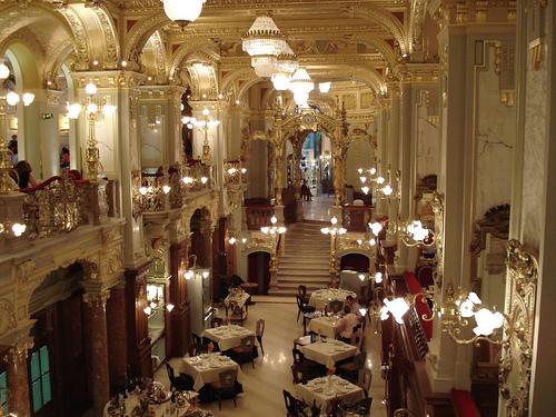 New York Café de Budapest, el más bello del mundo
