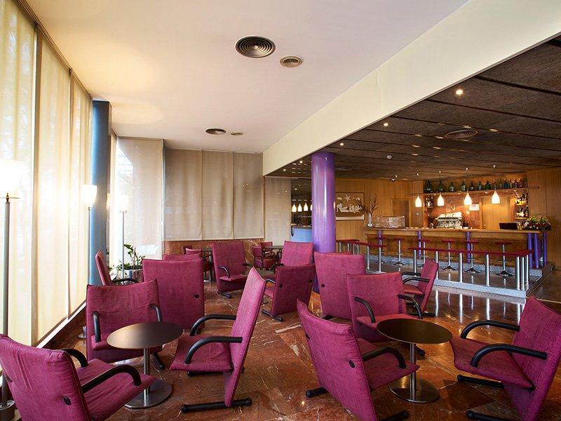 Hotel Domo – Tradición y modernidad se combinan en un paisaje de viñedos en Vilafranca del Penedès