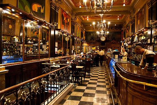 Café A Brasileira (Lisboa), una auténtica institución de la Belle Époque portuguesa