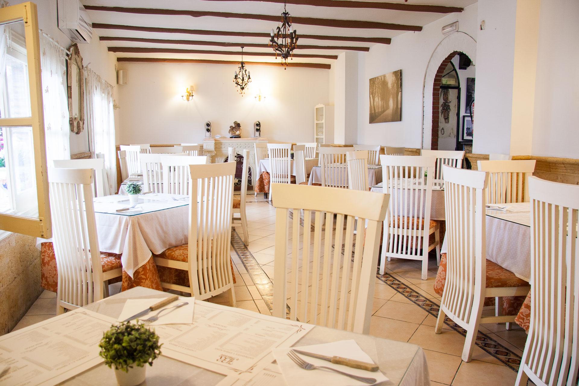 Meson J.R., restaurante familiar con gastronomía de calidad típicamente granadina