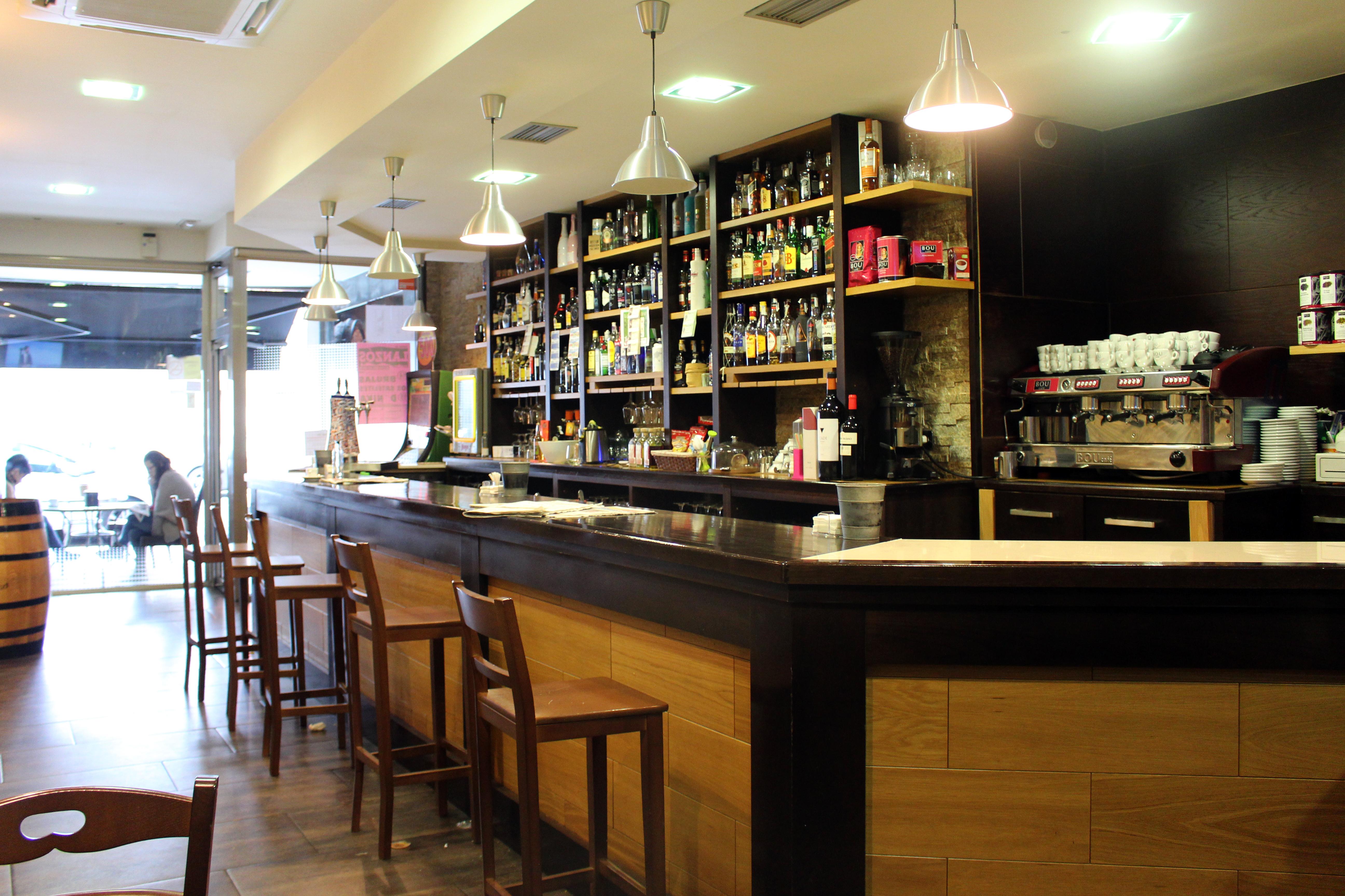 Saborea tapas de cocina tradicional y un Espresso Perfecto BOU en el Café Centro de Vilalba (Lugo)