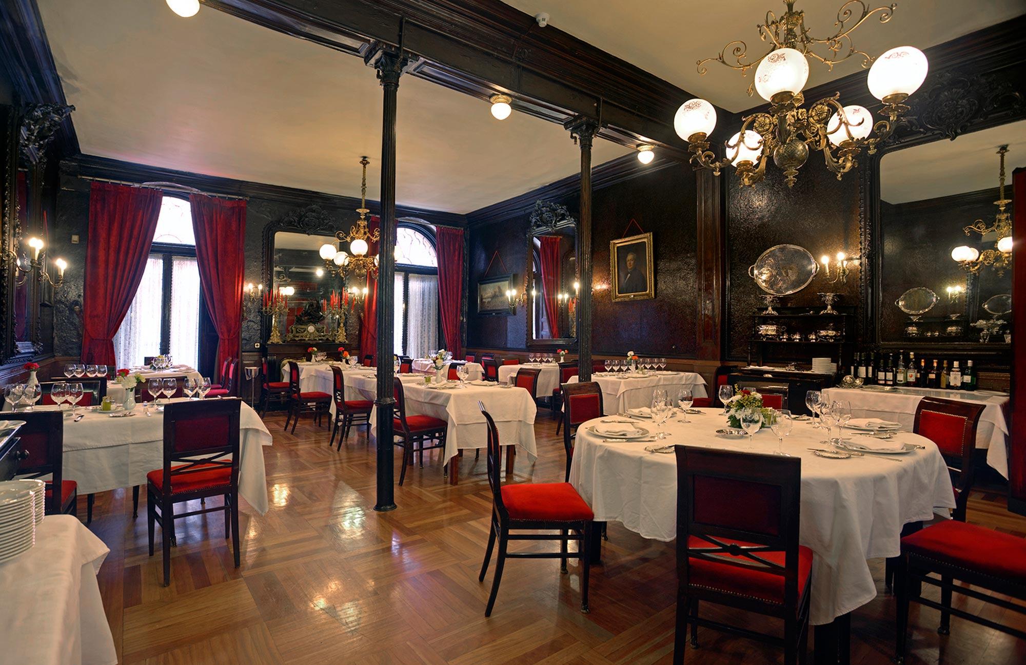 Café Lhardy, uno de los más antiguos de Madrid con 175 años de historia